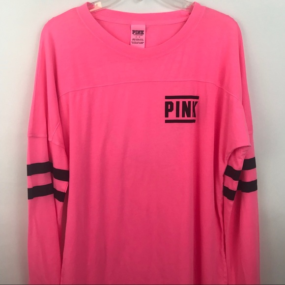 c7120b6ee2e4b Pink Victoria Secret long sleeve top size SMALL